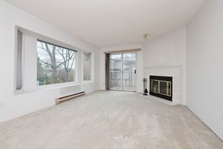 """Photo 3: 2 61 E 23RD Avenue in Vancouver: Main Townhouse for sale in """"61 EAST 23RD AVENUE PLACE"""" (Vancouver East)  : MLS®# R2225680"""