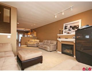 """Photo 2: 33 18828 69TH Avenue in Surrey: Clayton Townhouse for sale in """"STARPOINT"""" (Cloverdale)  : MLS®# F2901097"""