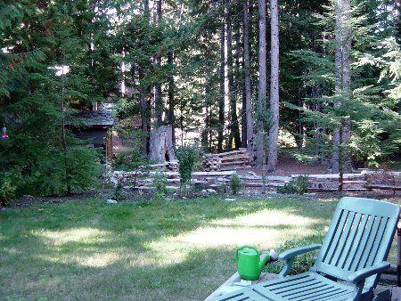 Photo 2: Photos: Cozy Log Cabin in the Heart of Whistler
