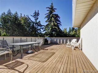 Photo 18: 2595 Wilcox Terr in VICTORIA: CS Tanner House for sale (Central Saanich)  : MLS®# 742349