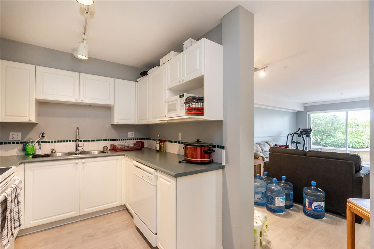 """Photo 11: Photos: 114 2750 FAIRLANE Street in Abbotsford: Central Abbotsford Condo for sale in """"The Fairlane"""" : MLS®# R2543289"""