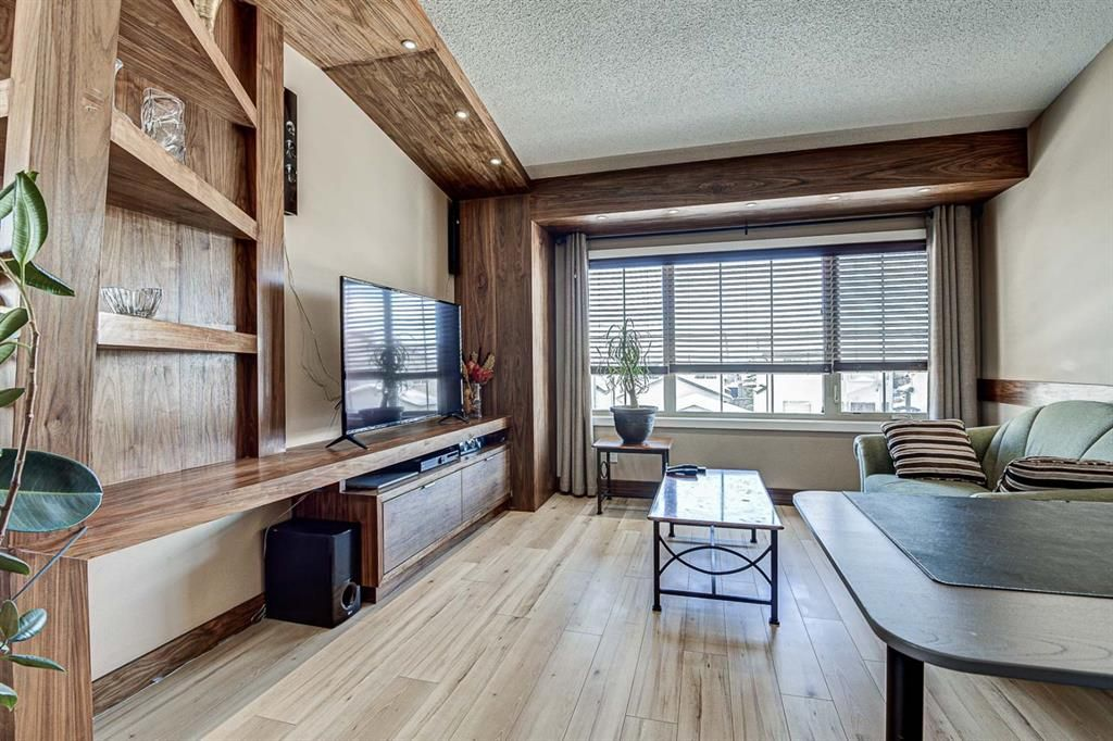 Photo 4: Photos: 230 EVERSYDE Boulevard SW in Calgary: Evergreen Apartment for sale : MLS®# A1071129