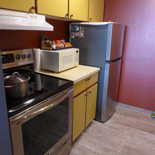 Photo 3: 90 8735 165 Street in Edmonton: Zone 22 Condo for sale : MLS®# E4241638