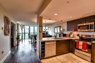 Photo 2: 1203 1199 EASTWOOD Street in Coquitlam: North Coquitlam Condo for sale : MLS®# R2462647