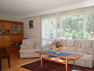 Photo 3: 21 Cockburn Drive in Toronto: Centennial Scarborough House (Bungalow-Raised) for sale (Toronto E10)  : MLS®# E2747966