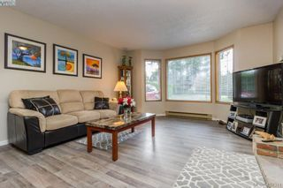 Photo 7: 436 Tipton Ave in VICTORIA: Co Wishart South House for sale (Colwood)  : MLS®# 803370