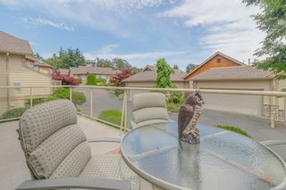 Photo 3: 23 1286 Tolmie Ave in : SE Cedar Hill Row/Townhouse for sale (Saanich East)  : MLS®# 882571
