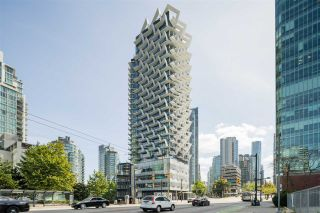 Photo 3: 1403 620 CARDERO STREET in Vancouver: Coal Harbour Condo for sale (Vancouver West)  : MLS®# R2493404