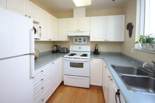 """Photo 5: 11 2711 E KENT AVENUE NORTH Avenue in Vancouver: Fraserview VE Townhouse for sale in """"RIVERSIDE GARDENS"""" (Vancouver East)  : MLS®# R2010542"""