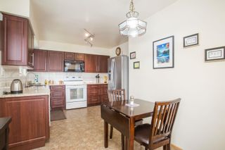 Photo 9: 726 SCHOOLHOUSE Street in Coquitlam: Central Coquitlam House for sale : MLS®# R2609829