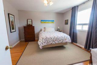 Photo 30: 304 Bate Crescent in Saskatoon: Grosvenor Park Residential for sale : MLS®# SK724443