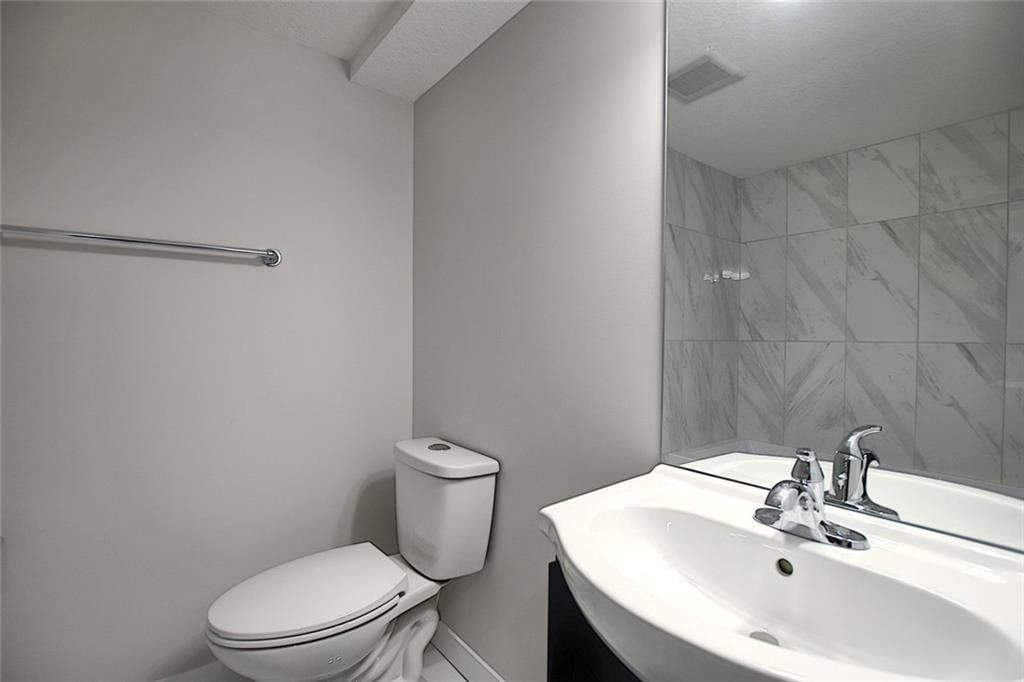 Photo 34: Photos: 1134 BERKLEY Drive NW in Calgary: Beddington Heights Semi Detached for sale : MLS®# C4303281