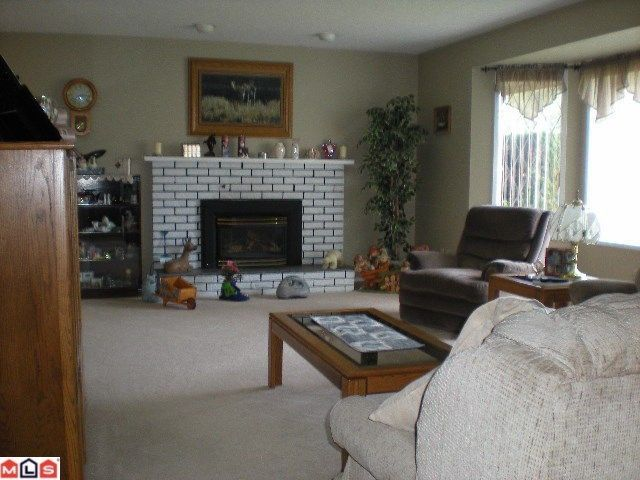 Photo 2: Photos: 45146 INSLEY Avenue in Sardis: Sardis West Vedder Rd House for sale : MLS®# H1201487