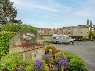 Photo 2: 106 6585 Country Rd in Sooke: Sk Sooke Vill Core Condo for sale : MLS®# 887467