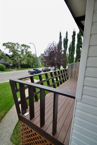 Photo 3: 431 21 Avenue NE in Calgary: Winston Heights/Mountview Semi Detached for sale : MLS®# A1135304