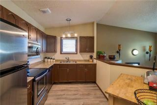 Photo 4: 2 Carriage House Road in Winnipeg: River Park South Residential for sale (2F)  : MLS®# 1810823