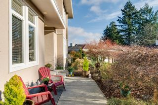Photo 2: 804 Del Monte Lane in : SE Cordova Bay House for sale (Saanich East)  : MLS®# 863371