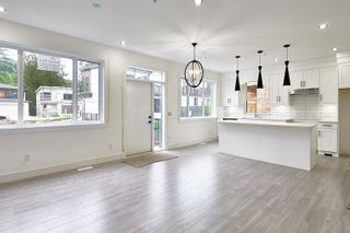 """Photo 2: 36697 DIANNE BROOK Avenue in Abbotsford: Abbotsford East House for sale in """"Dianne Brook Development"""" : MLS®# R2616856"""