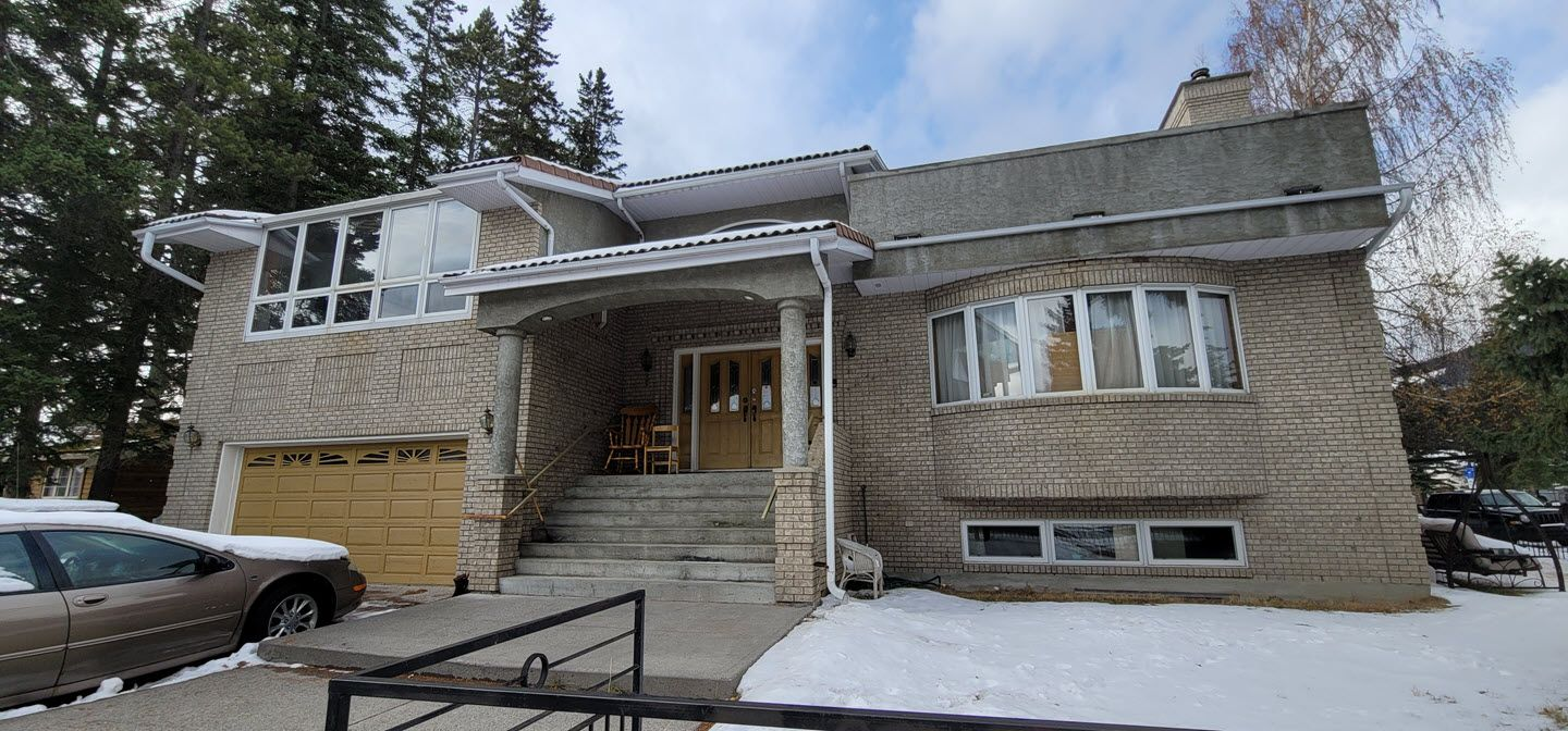 Main Photo: BANFF INVESTMENT OPPORTUNITY