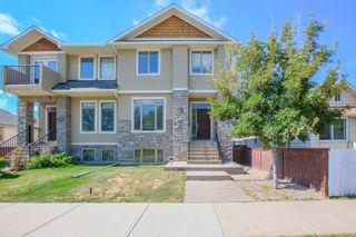 Photo 1: 2017 7 Avenue SE in Calgary: House for sale