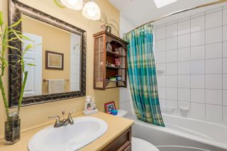 Photo 3: 14812 17th Street in Surrey: Sunnyside Park Surrey House for sale (South Surrey White Rock)