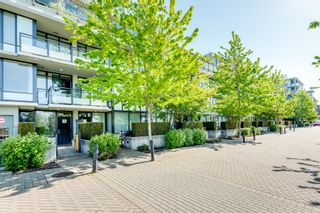"""Photo 2: 705 9009 CORNERSTONE Mews in Burnaby: Simon Fraser Univer. Condo for sale in """"THE HUB"""" (Burnaby North)  : MLS®# R2608475"""