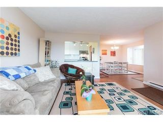 Photo 3: 401 2631 Prior St in VICTORIA: Vi Hillside Condo for sale (Victoria)  : MLS®# 733438