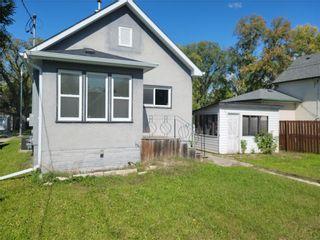 Photo 2: 218 Yale Avenue East in Winnipeg: West Transcona Residential for sale (3L)  : MLS®# 202122243