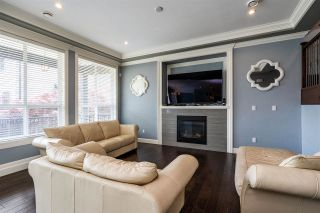 """Photo 2: 21062 77 Avenue in Langley: Willoughby Heights House for sale in """"Yorkson South"""" : MLS®# R2288117"""