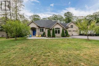 Main Photo: 1211 SEADON RD in Springwater: House for sale : MLS®# S5373494
