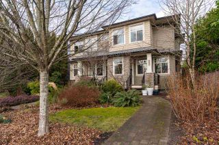 Photo 1: 334 E 14TH Street in North Vancouver: Central Lonsdale 1/2 Duplex for sale : MLS®# R2533090