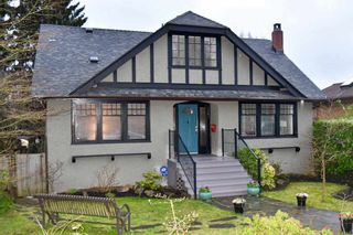 """Photo 1: 3561 W 26TH Avenue in Vancouver: Dunbar House for sale in """"Dunbar"""" (Vancouver West)  : MLS®# R2149312"""