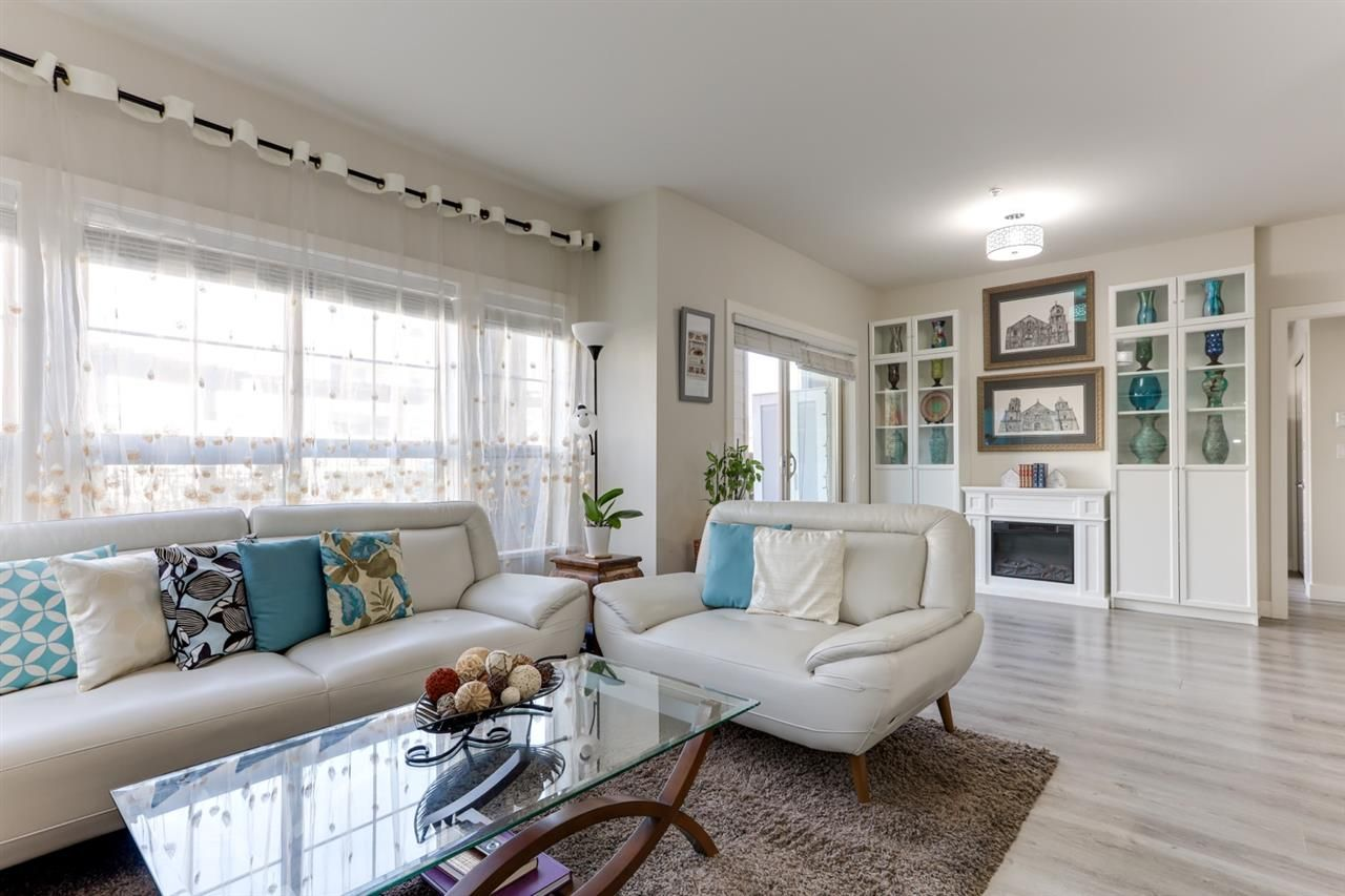 """Main Photo: 106 20219 54A Avenue in Langley: Langley City Condo for sale in """"SUEDE"""" : MLS®# R2561095"""