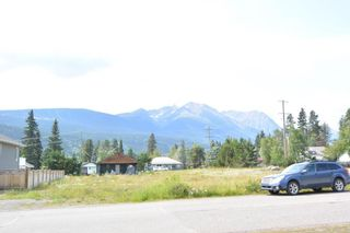 """Photo 2: 3880 11TH Avenue in Smithers: Smithers - Town House for sale in """"Hill Section"""" (Smithers And Area (Zone 54))  : MLS®# R2395294"""