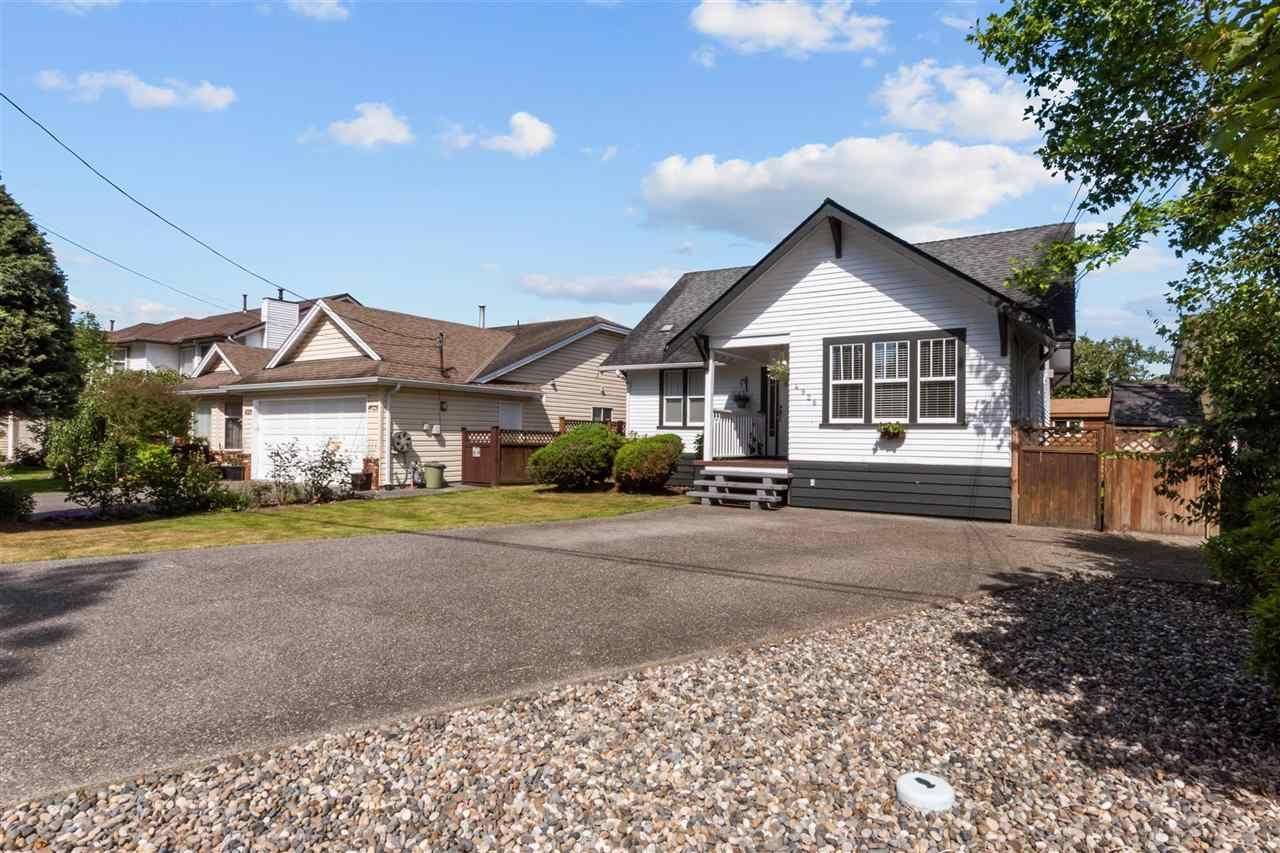 Main Photo: 4926 53 STREET in Delta: Hawthorne House for sale (Ladner)  : MLS®# R2589955