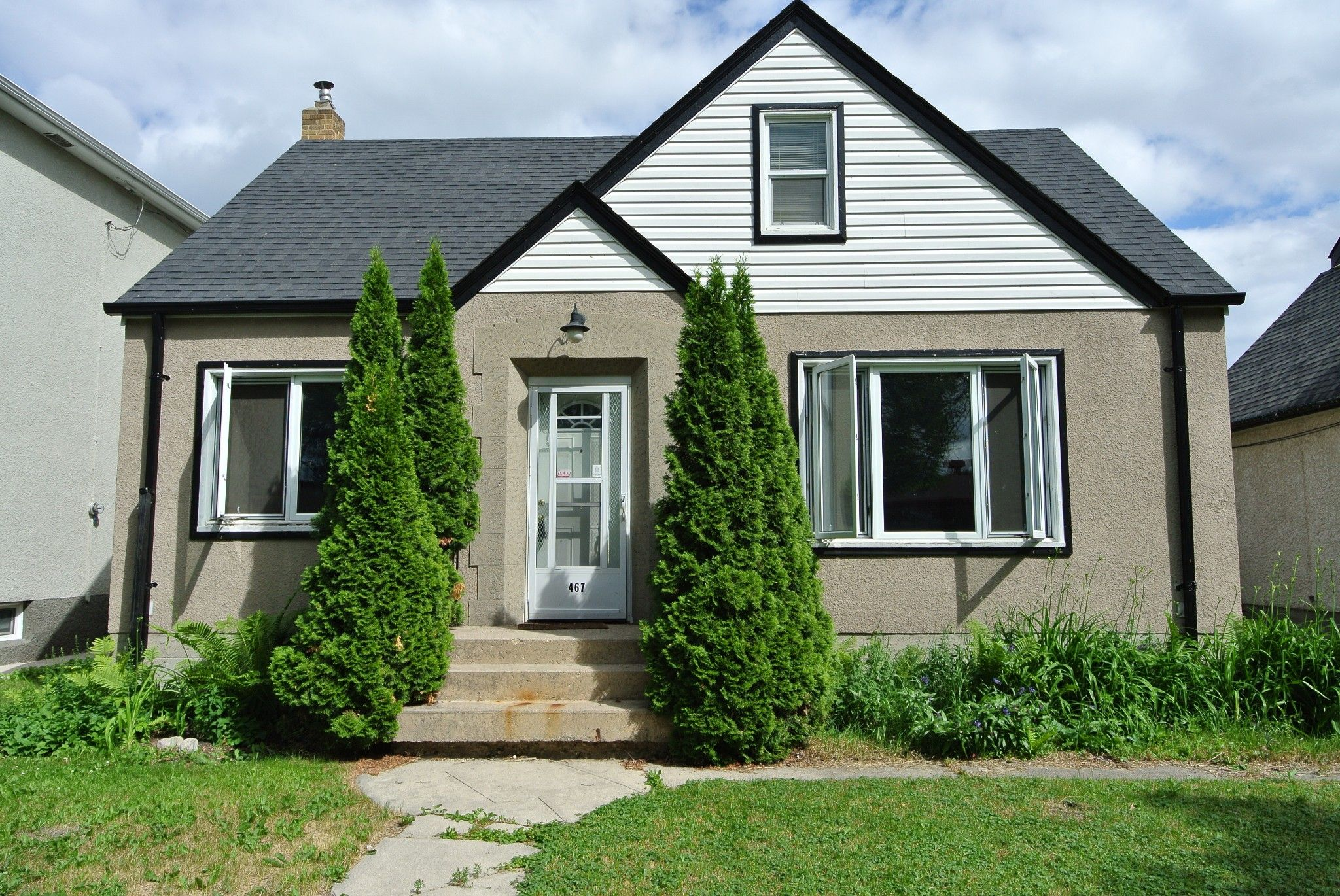 Main Photo: 467 Andrews Street: Single Family Detached for sale
