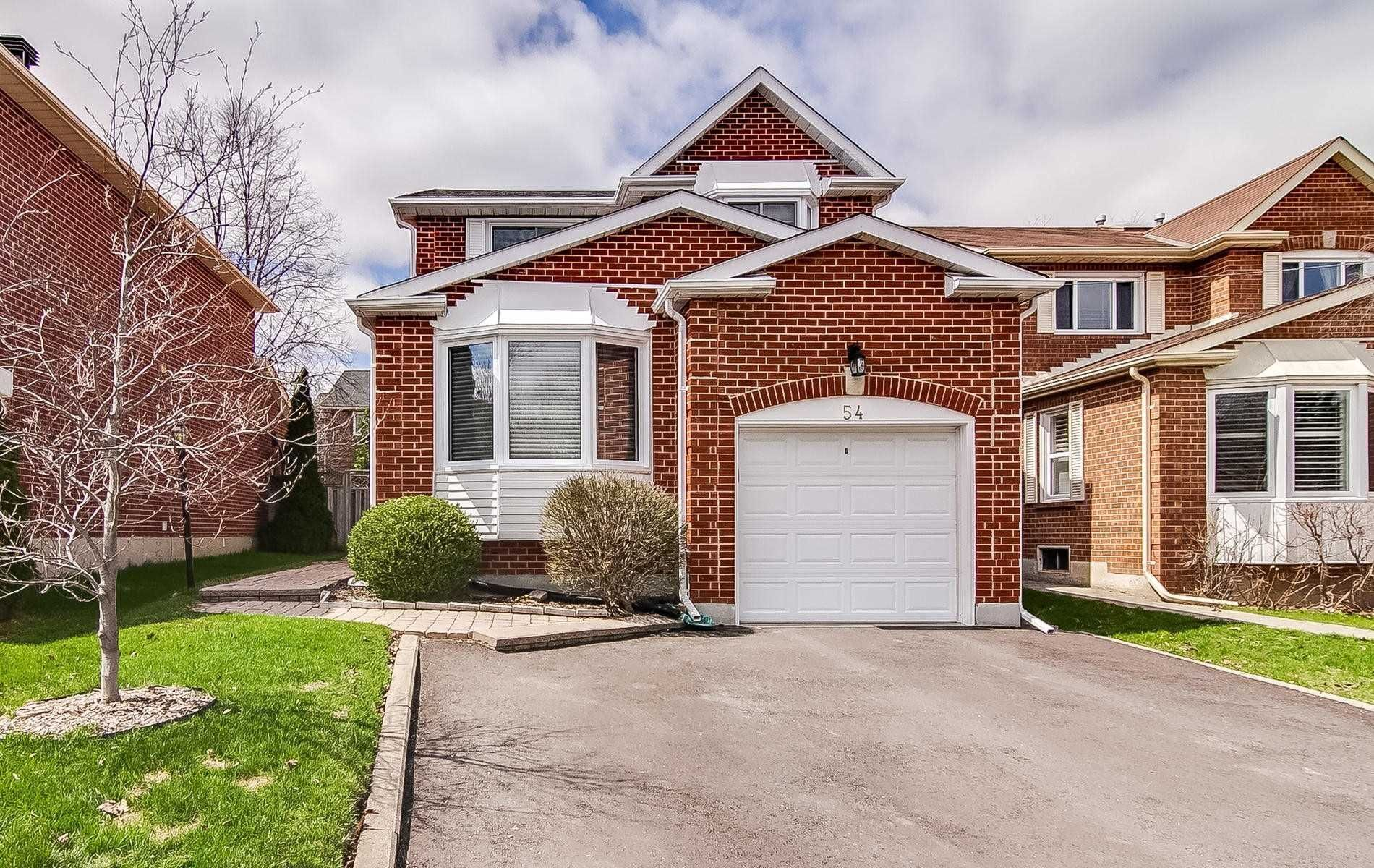Main Photo: 54 Springfield Way in Vaughan: Crestwood-Springfarm-Yorkhill House (2-Storey) for sale : MLS®# N4432228