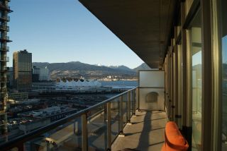 """Photo 13: 1906 108 W CORDOVA Street in Vancouver: Downtown VW Condo for sale in """"WOODWARDS W32"""" (Vancouver West)  : MLS®# R2138869"""