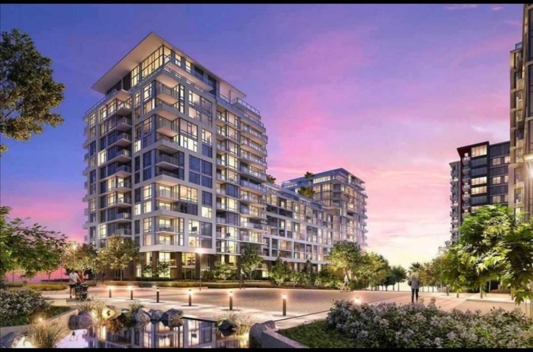 Main Photo: 603 8800 HAZELBRIDGE Way in Richmond: West Cambie Condo for sale : MLS®# R2517864
