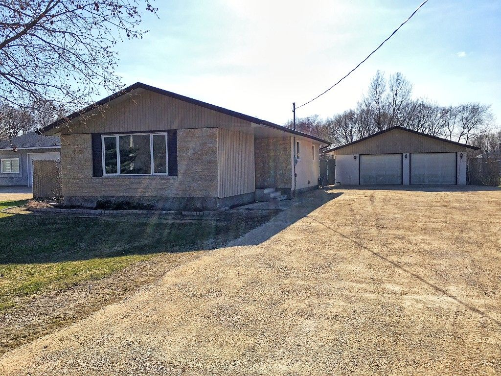 Main Photo: 333 Dufault Drive in Ile Des Chenes: Single Family Detached for sale