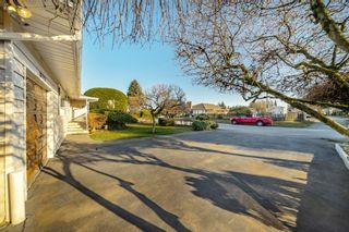 "Photo 33: 8727 CREST Drive in Burnaby: The Crest House for sale in ""Cariboo-Cumberland"" (Burnaby East)  : MLS®# R2422475"