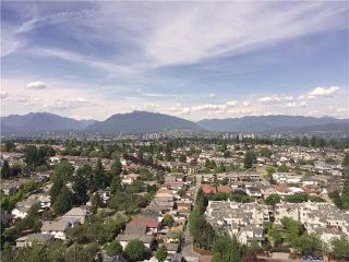 """Photo 1: 2410 3663 CROWLEY Drive in Vancouver: Collingwood VE Condo for sale in """"LATITUTDE"""" (Vancouver East)  : MLS®# R2140003"""