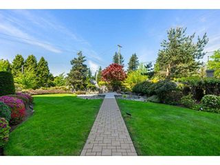 """Photo 4: 602 14824 NORTH BLUFF Road: White Rock Condo for sale in """"BELAIRE"""" (South Surrey White Rock)  : MLS®# R2579605"""