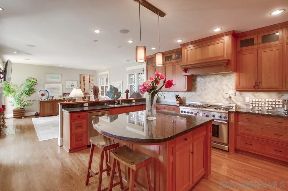 Photo 13: Photos: CORONADO VILLAGE House for sale : 3 bedrooms : 738 B Avenue in Coronado