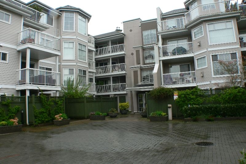 "Main Photo: 217 2678 DIXON Street in Port Coquitlam: Central Pt Coquitlam Condo for sale in ""SPRINGDALE"" : MLS®# V643149"