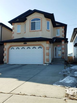 Photo 2: 5305 164 Avenue in Edmonton: Zone 03 House for sale : MLS®# E4236066