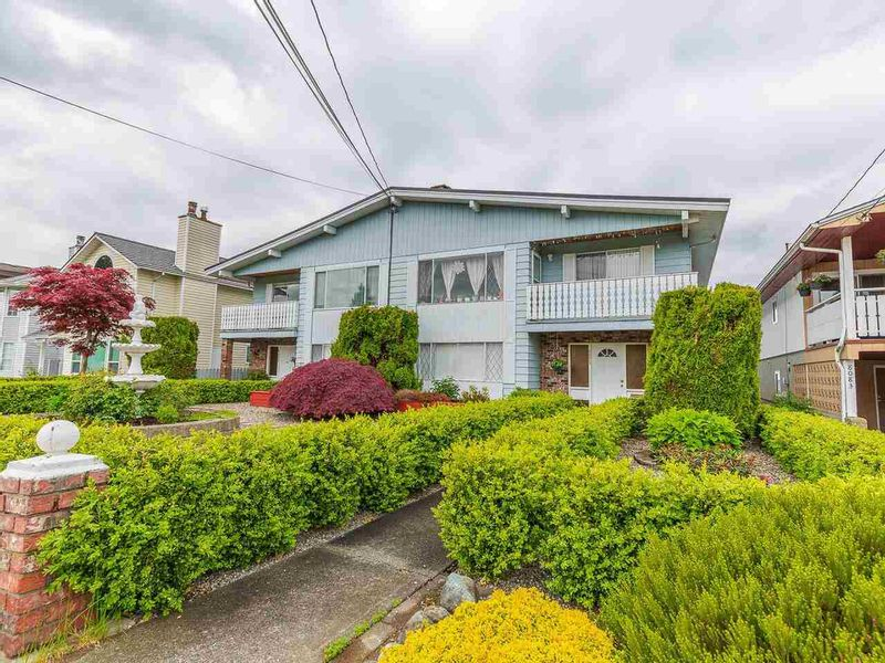 FEATURED LISTING: 8075 15TH Avenue Burnaby