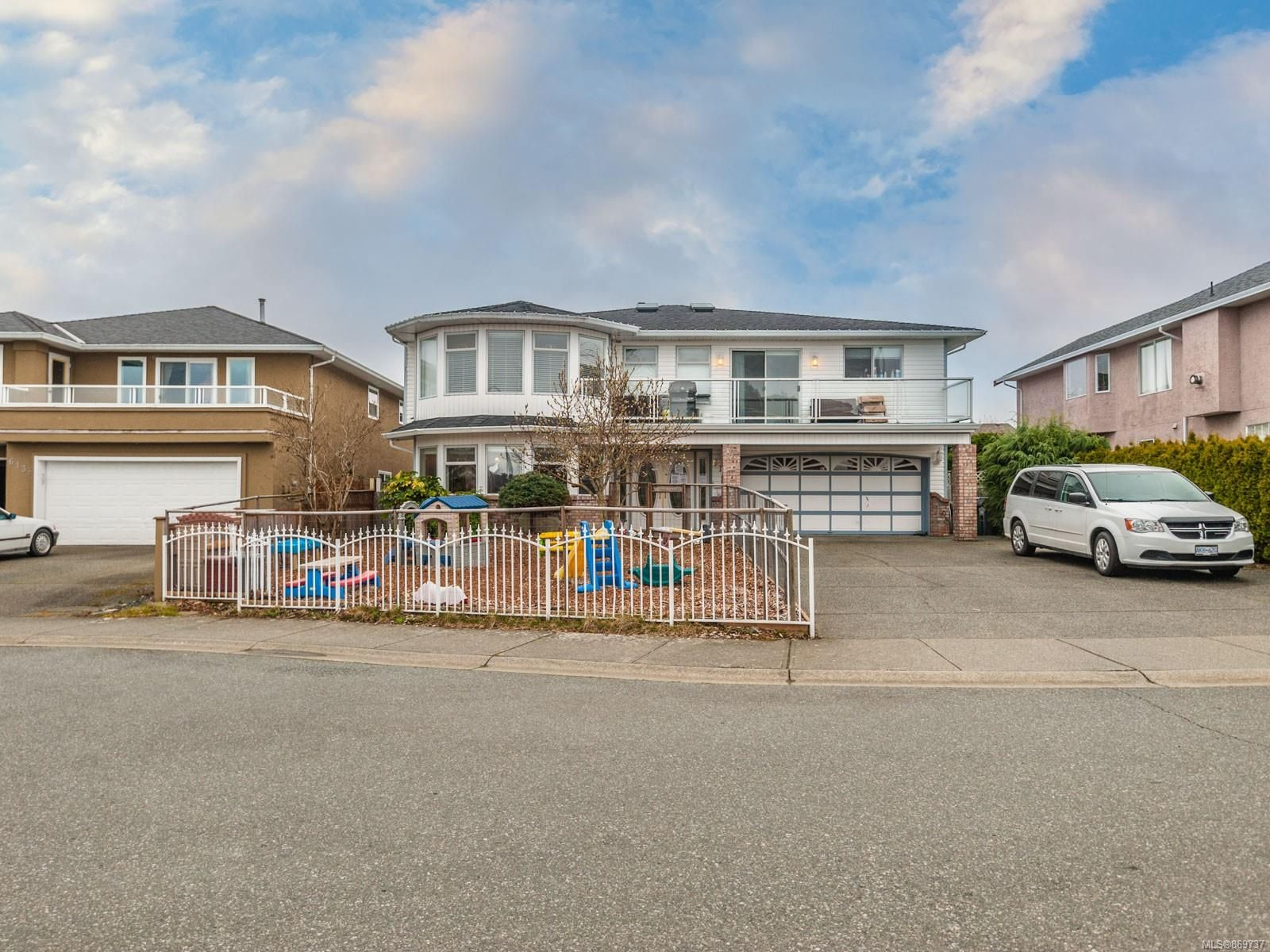 Main Photo: 6132 Mystic Way in : Na North Nanaimo House for sale (Nanaimo)  : MLS®# 869737