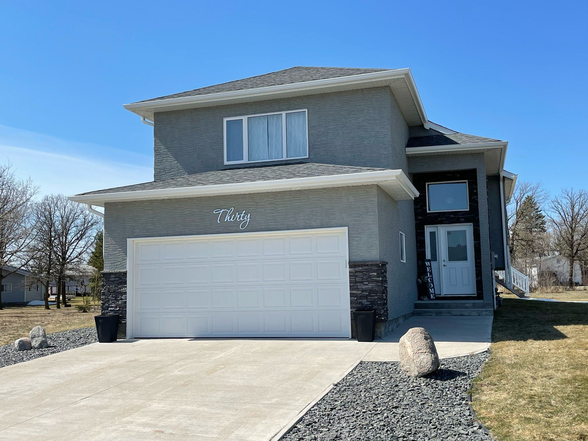 Main Photo: 30 Acorn Bay in Beausejour: House for sale