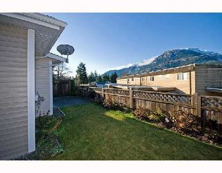 """Photo 9: 95 1821 WILLOW Crescent in Squamish: Garibaldi Estates Townhouse for sale in """"WILLOW VILLAGE"""" : MLS®# V745862"""